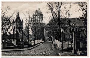 Allenstein Schloß mit Kopernikus-Denkmal (unfelaufen )