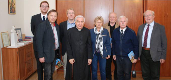 Das Bild unten zeigt seiner Exzellenz Erzbischof Wojciech Ziemba Metropoliten von Ermland und Masuren der im Herbst 2016 den Vorstand der KGAL in Allenstein empfing. Erzbischof Ziemba (75 Jahre alt) ist der 50ste Bischof in der Kirchengeschichte Ermlands.